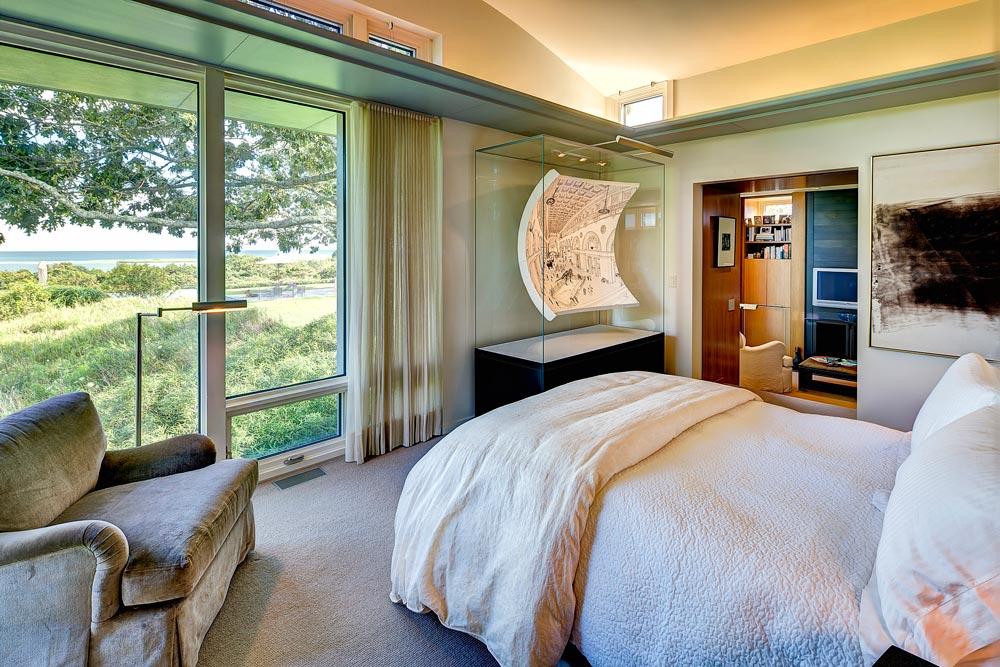 chilmarkHill_bedroom